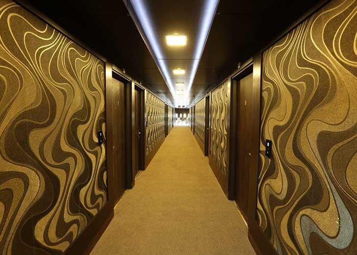 راهرو طبقات هتل بلوط تهران