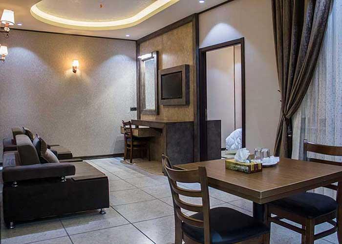 نشیمن هتل باران