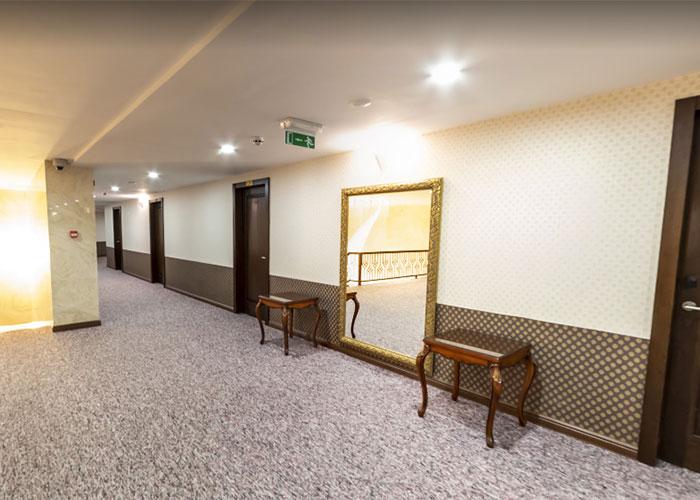 راهرو  هتل بین الحرمین شیراز