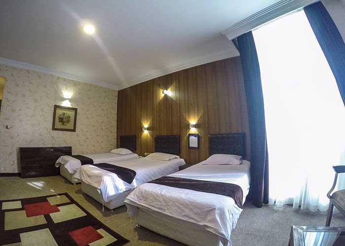 اتاق سه تخته هتل بلور تهران