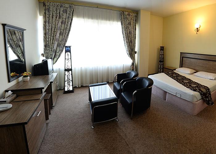 فضای اتاق هتل بزرگ مراغه