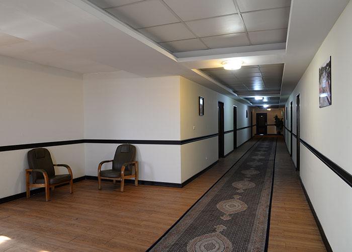 راهرو هتل بزرگ مراغه