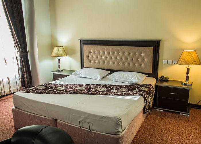 اتاق دو تخته هتل بزرگ مراغه