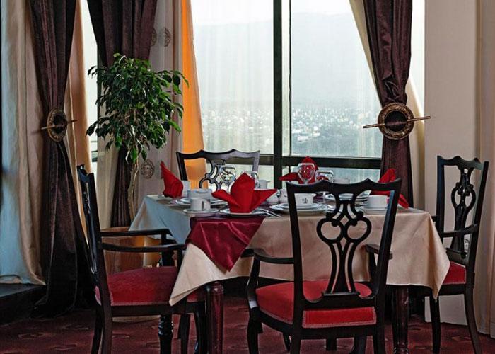 رستوران پاناروما هتل چمران شیراز