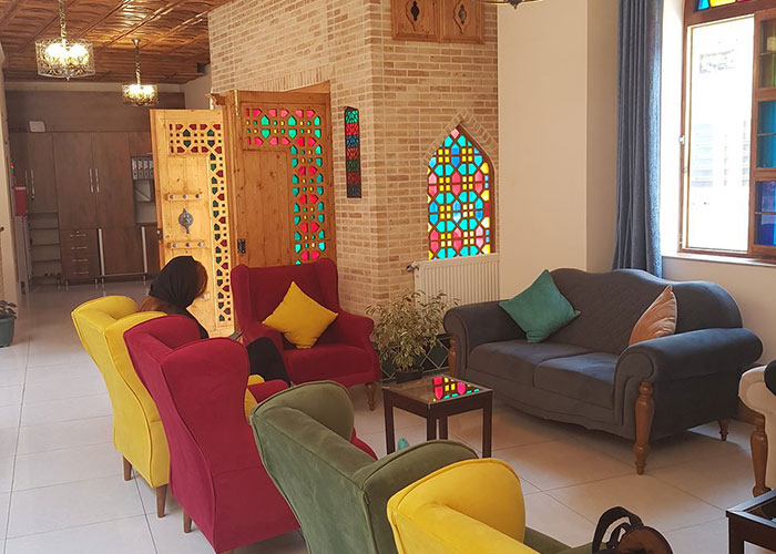 لابی هتل سنتی درباری شیراز