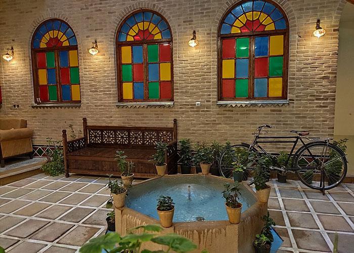 ساختمان هتل سنتی درباری شیراز