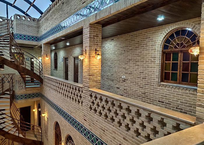 تصاویر ساختمان هتل سنتی درباری شیراز