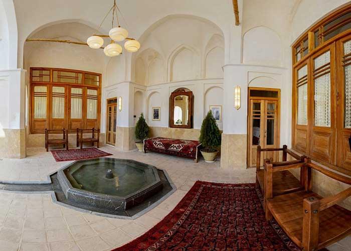 تصاویر ساختمان اقامتگاه سنتی درب باغ کاشان