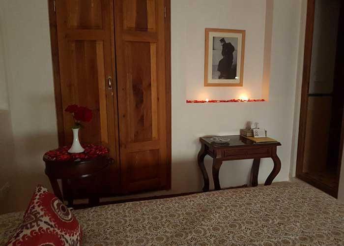 اتاق دو تخته اقامتگاه سنتی درب باغ