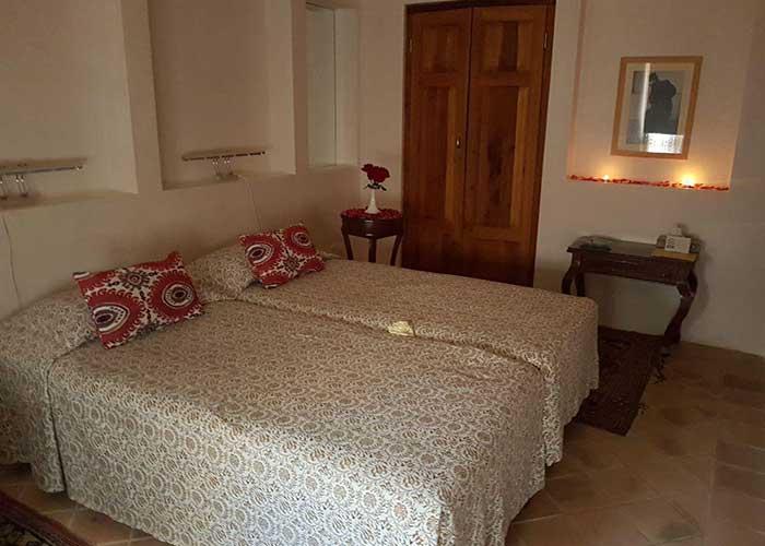 اتاق دو تخته توئین اقامتگاه درب باغ کاشان