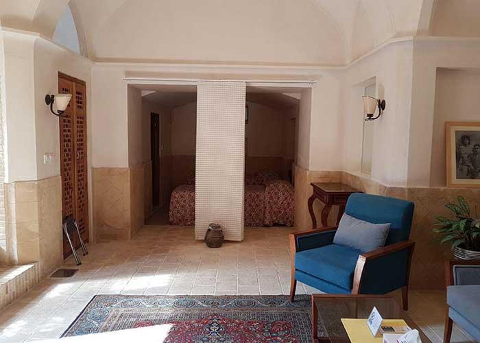 عکس اتاق چهار تخته اقامتگاه درب باغ