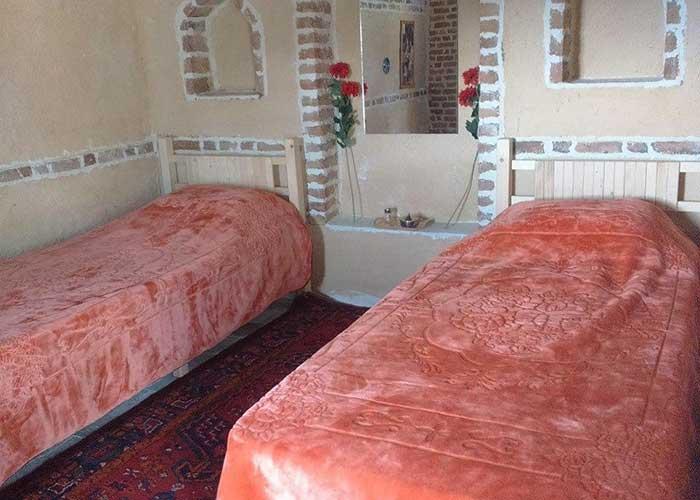 اتاق کاروانسرا اقامتگاه بومگردی دورنا مشگین شهر