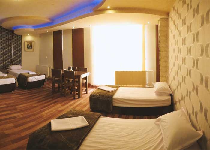اتاق چهار تخته هتل دورنا مشگین شهر