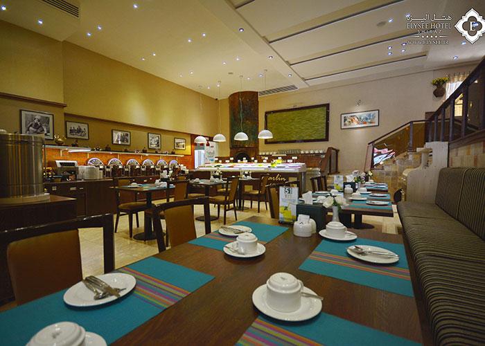 میز رستوران مارلین هتل الیزه شیراز