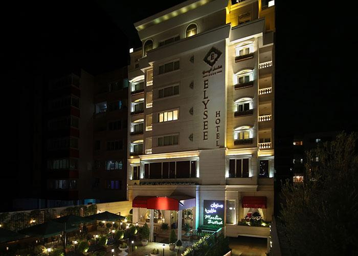 هتل الیزه شیراز در شب