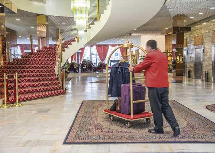لابی هتل پارسیان انقلاب تهران
