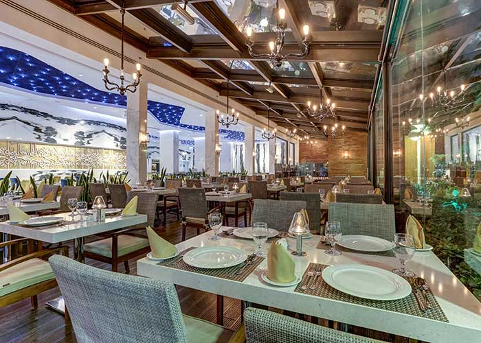 عکس رستوران هتل انقلاب تهران