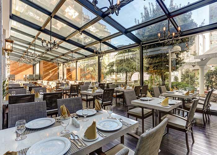 رستوران هتل پارسیان انقلاب