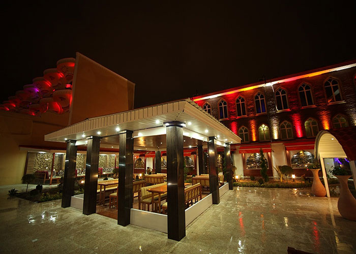 سفره خانه سنتی هتل ارم تهران