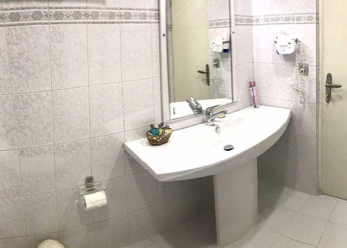 سرویس رو شویی اتاق های هتل ارم تهران