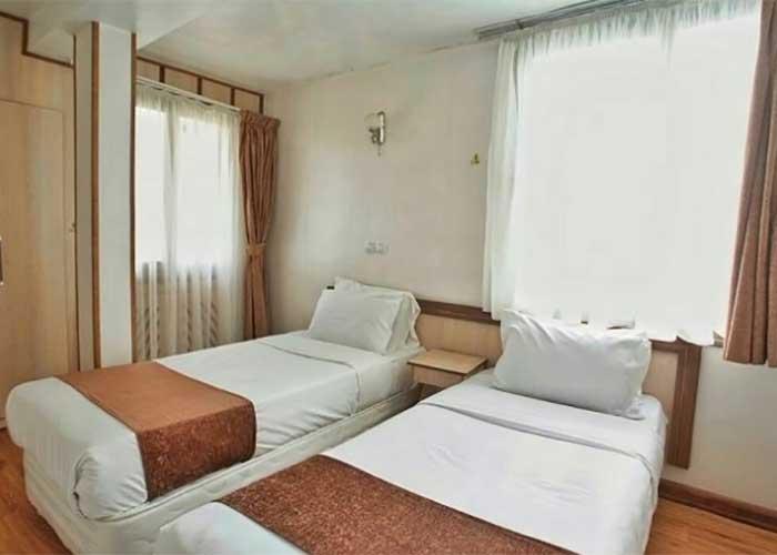 دو تخته توئین هتل اصفهان