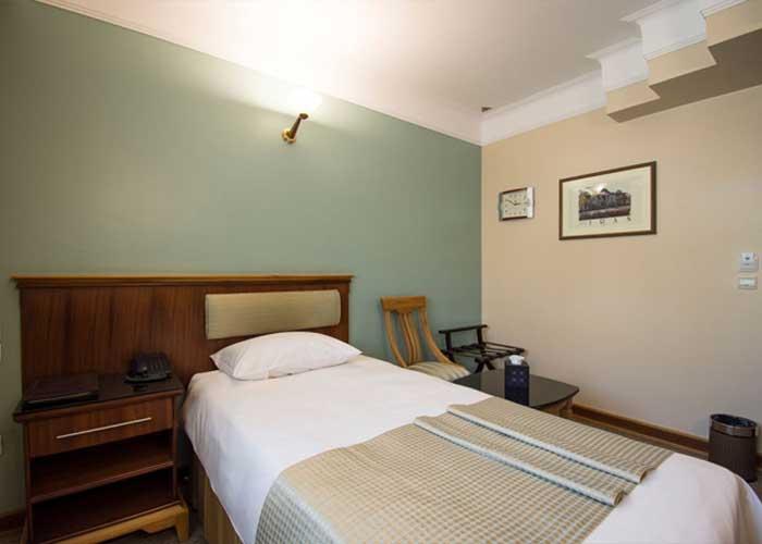 اتاق یک تخته هتل اسکان