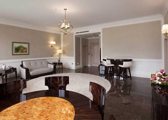 سالن سوئیت پرزیدنت هتل اسپیناس پالاس