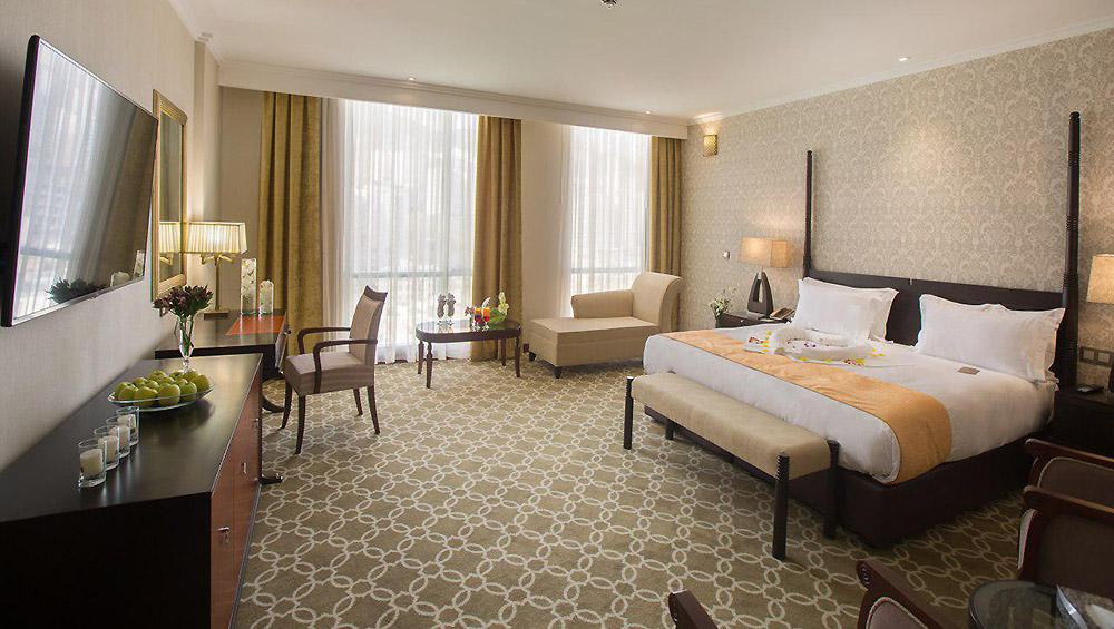 رویال فامیلی هتل اسپیناس پالاس