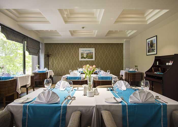 رستوران هتل اسپیناس بلوار