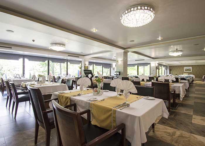 رستوران هتل اسپیناس بلوار کشاورز