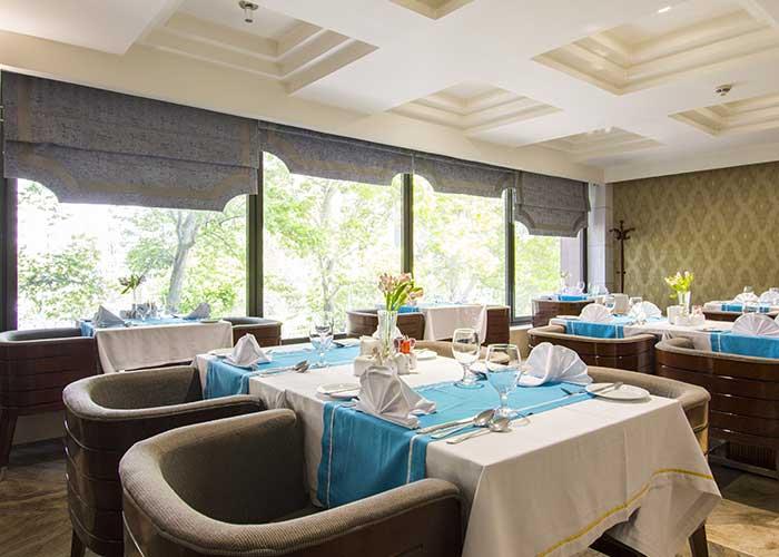 هتل اسپیناس رستوران