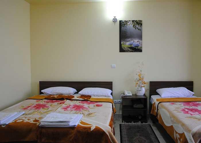 اتاق سه تخته هتل آپارتمان استقبال تبریز