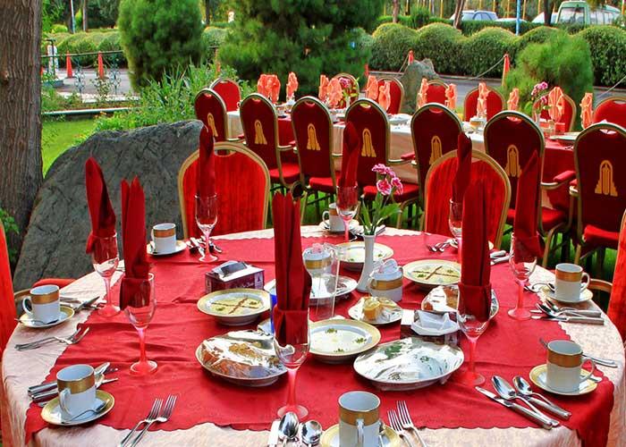 رستوران محوطه باز هتل استقلال تهران