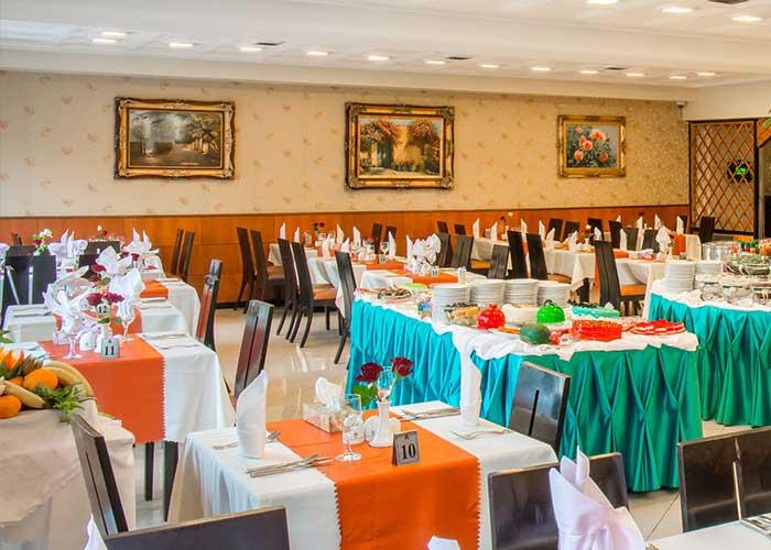 رستوران هتل استقلال تهران