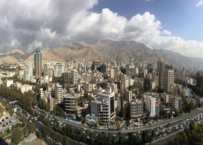 نمای کوه های شمال تهران از  هتل پارسیان استقلال