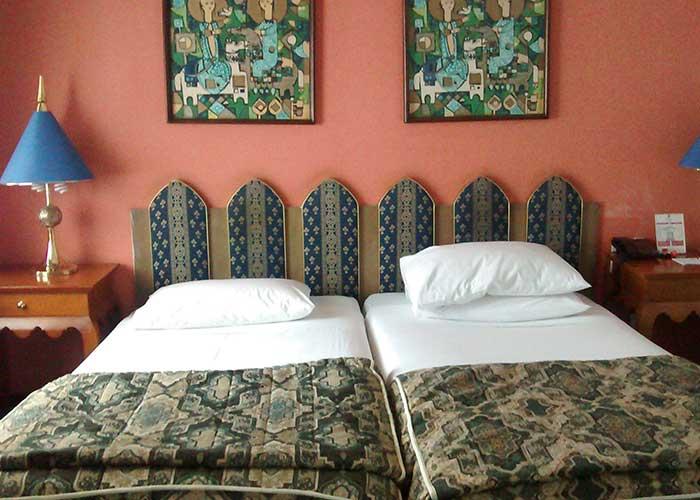 اتاق دو تخته دبل هتل پارسیان استقلال