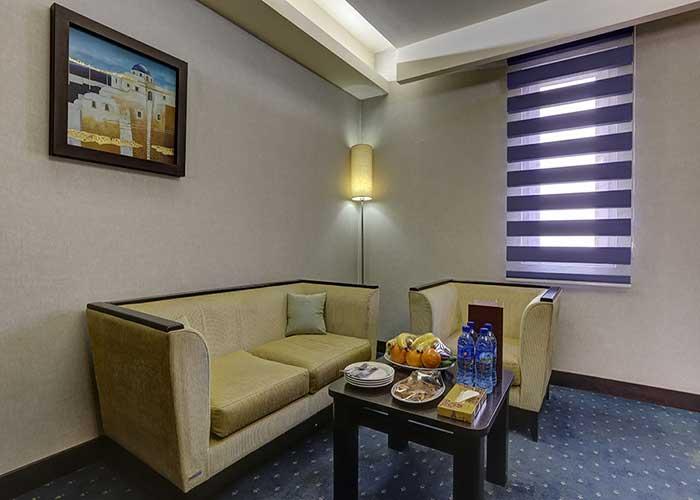 مبلمان سوئیت کوچک هتل اوین تهران