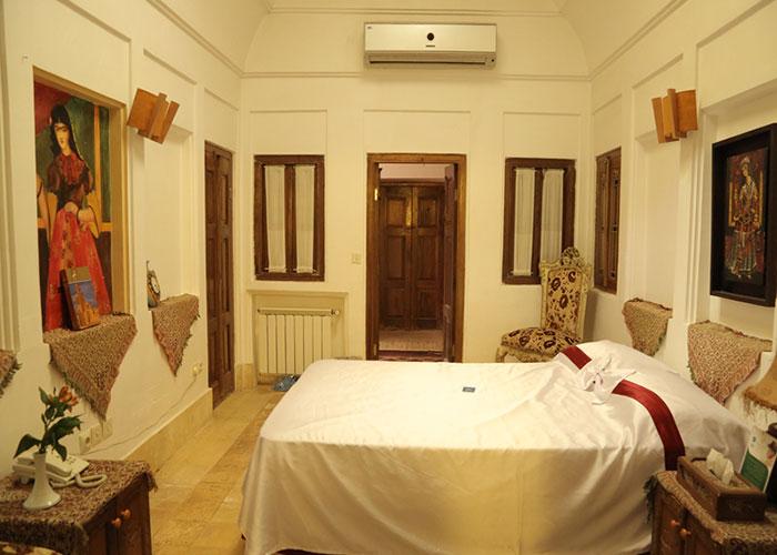عکس اتاق هتل موزه فهادان یزد