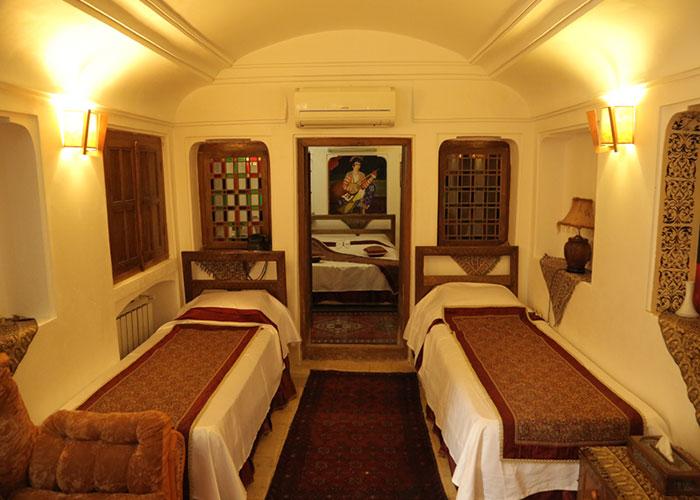 چهار تخته هتل موزه فهادان یزد