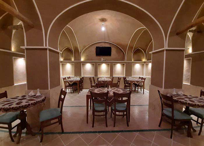 رستوران اقامتگاه سنتی فلاحتی کاشان