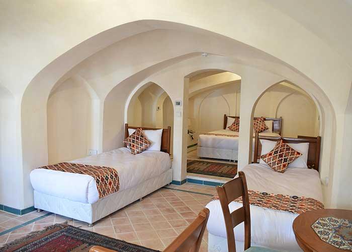 اتاق چهار تخته اقامتگاه سنتی فلاحتی کاشان