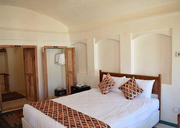 اتاق دو تخته اقامتگاه سنتی فلاحتی کاشان