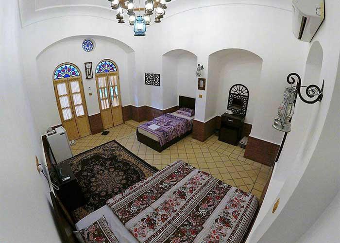 سه تخته اقامتگاه سنتی فانوس ویونا کاشان