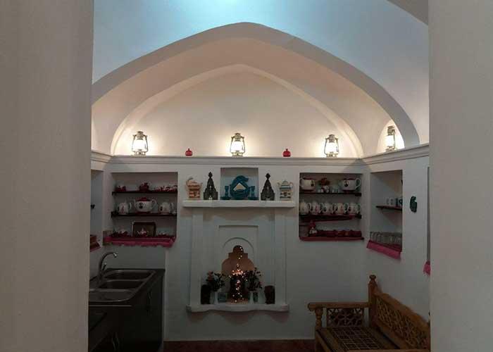 فروشگاه صنایع دستی اقامتگاه فانوس ویونا کاشان
