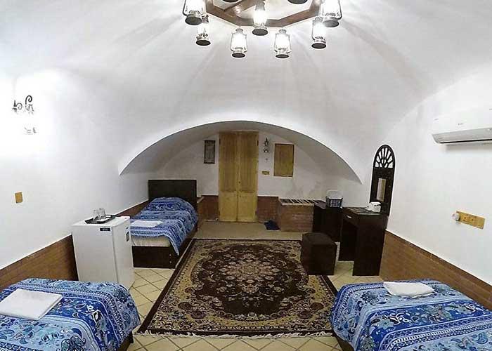 سه تخته اقامتگاه سنتی فانوس ویونا