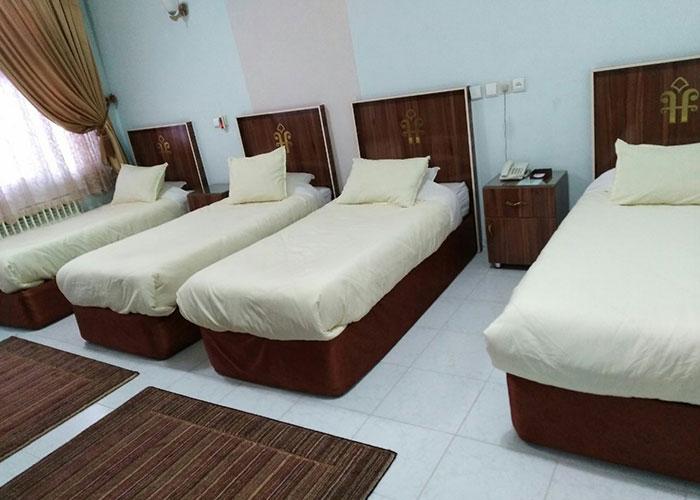 تصاویر اتاق چهار تخته هتل فرهنگ یزد