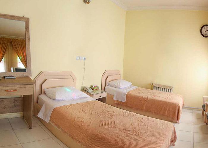اتاق دو تخته هتل فرهنگ یزد
