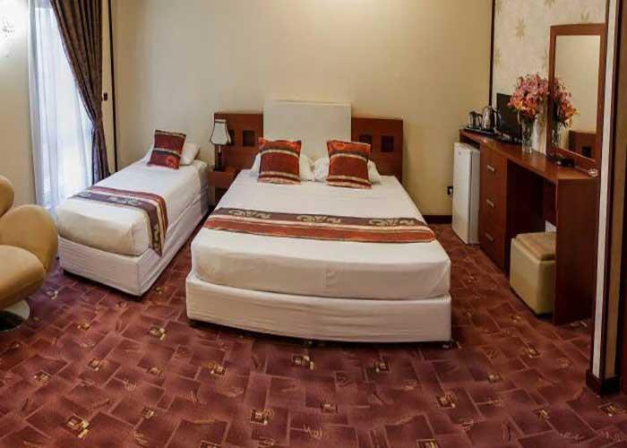 اتاق سه تخته هتل فرهنگ و هنر مشهد