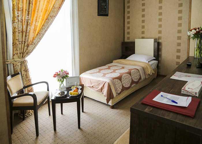 اتاق یک تخته هتل فرهنگ و هنر مشهد