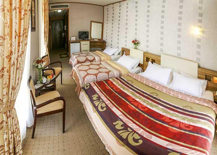 اتاق چهار تخته هتل فرهنگ و هنر مشهد